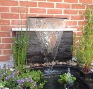 Thanks to Mr J for these fantastic photos of the 30cm Blade Cascade and the 45cm 'Arc' Cascade